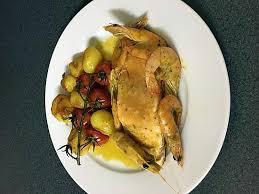 cuisiner pavé de saumon poele recette de pavé de saumon poêle ces crevettes et ces petits légumes