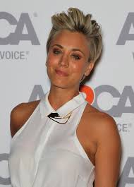 why kaley cucoo cut her hair kaley cuoco sweeting has only gone and dyed her hair wait what
