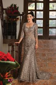 of the dress of the dresses of the groom dresses