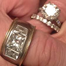 Huge Wedding Rings by Peterson Defends Her Marriage Shows Off Huge Wedding Ring