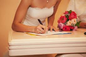 bureau d enregistrement mariée dans le bureau d enregistrement photo stock image du