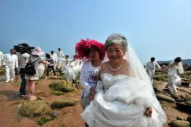 elderly women dresses wedding dresses shine on the china chinadaily cn