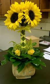 Centerpieces With Sunflowers by 18 Best Flower Arrangements Images On Pinterest Sunflower