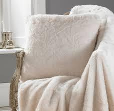 Oversized Faux Fur Throw Polar Bear Faux Fur Cushion