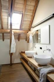 wohnideen in dachgeschoss badezimmer dachgeschoss holz landhausstil wohnideen ähnliche tolle
