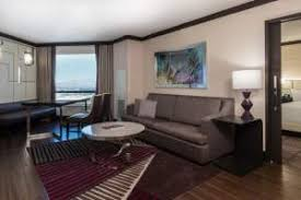 2 Bedroom Suites In Las Vegas by Las Vegas Strip Rooms U0026 Suites Harrah U0027s Hotel U0026 Casino