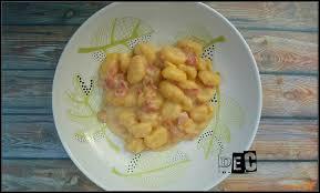 cuisiner les gnocchis gnocchis à la crème et bacon au cookéo delf en cuisine