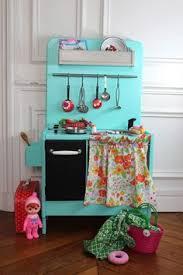 cuisine enfant vintage diy cuisine enfants vintage un vieux meuble récupéré et relooké