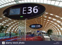 bureau de change charles de gaulle terminal gates charles de gaulle stock photos terminal gates