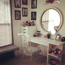 vanity mirror with lights for bedroom bedroom mirrors with lights makeup vanity set with lighted mirror