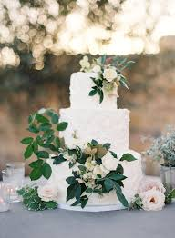wedding cake greenery 30 stunning ways to infuse your wedding with greenery chic