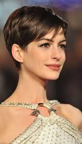 coupes cheveux courts coupe courtes femmes pinteres