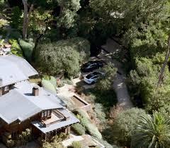 Angelina Jolie Mansion by Brad Pitt U0027s Cars Are Back On Angelina Jolie U0027s Driveway Amid