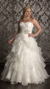 sle wedding dresses best 25 backyard wedding dresses ideas on pretty