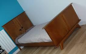 chambre enfant bois massif lit croisillon vintage enfant bois massif et pieds compas le