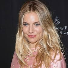 whatbhair texture does sienna miller have get sienna miller s beach waves instyle co uk
