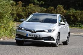 toyota auris 1 2 2015 review auto express