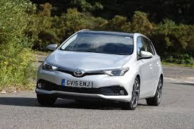 toyota auris suv toyota auris 1 2 2015 review auto express