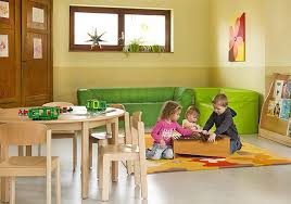 wandgestaltung kindergarten lehmputz und lehmfarbe im kindergarten natürliche wandgestaltung