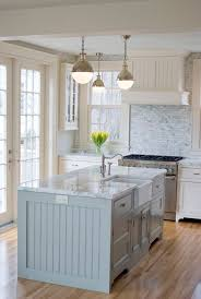 cottage style kitchen islands best 25 cottage style kitchens ideas on country for