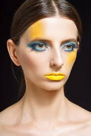 professional makeup classes nyc makeup looks are a great way to express yourself there are