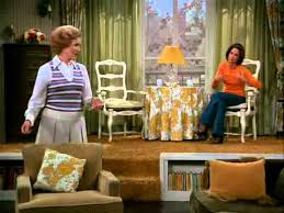 quot the mary tyler moore show quot apartment building the mary tyler moore show mary moves out do you remember these tv