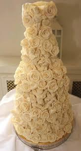 amazing wedding cakes wedding band essex kent london happy hour your amazing