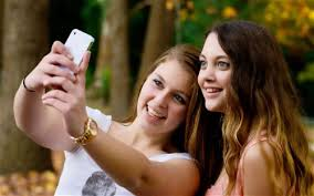 Take A Selfie How To Take A Selfie Using Your Iphone Headphones The Iphone Faq