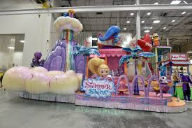 sneak peek at the new floats in this year s macy s thanksgiving