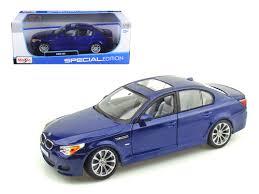bmw model car bmw m5 e60 blue 1 18 diecast model car maisto 31144