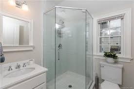 Mr Shower Door Norwalk Ct 12 Plymouth Rd Darien Ct 29 Photos Mls 170047540 Movoto