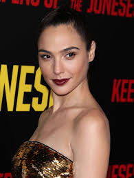 keeping up with the joneses gal gadot keeping up with the joneses la premiere 01 gotceleb