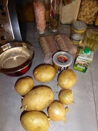cuisiner des andouillettes un gratin d andouillettes et pommes de terre à la lyonnaise