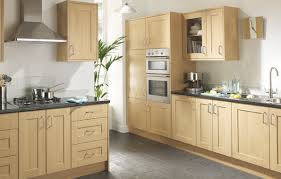 Light Oak Kitchen Cabinets Adorable Kitchen Linslade Shaker Range Is A Oak Effect The