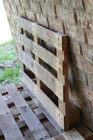 Building Patio Furniture With Pallets - diy outdoor patio furniture from pallets
