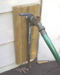 how to prevent outdoor water pipes from freezing and bursting