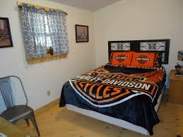 10 By 10 Bedroom by Barnstormer
