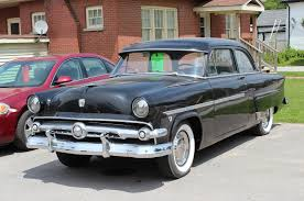 1954 ford mainline had one maroon 4 door while in california also
