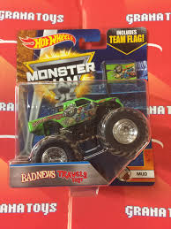 grave digger monster truck toys bad news travels fast 1 7 mud 2017 wheels monster jam case c