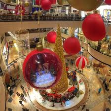 Christmas Decorations Online In Dubai by Christmas Decorations From Cities Around The World Sleeklad Com