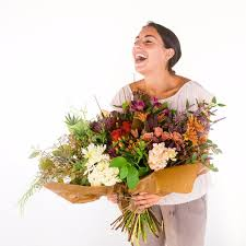 sending flowers guide to sending flowers online some tips you will find useful