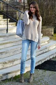 What To Wear With Light Jeans Women U0027s Beige Crew Neck Sweater Light Blue Jeans Olive Leather