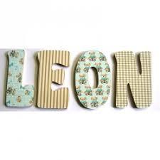 lettres décoratives chambre bébé lettre prénom porte de chambre bébé garçon lettre bois