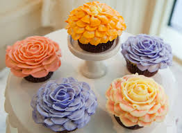 cupcake flowers nyc flower cupcake icing magnolia bakery