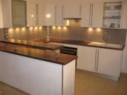 hygena cuisine salle de bain hygena affordable cette cuisine blanche joue la