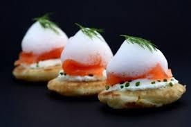 recette cuisine moleculaire toast de saumon fumé et écume citronnée à l aneth cuisine moléculaire