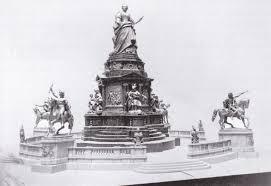 Black Flag Statue Puzzle Denkmal Maria Theresia