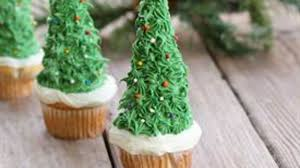 christmas tree cupcakes recipe tablespoon com