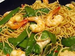 recette cuisine wok recette wok de nouilles chinoises aux crevettes et poulet 750g