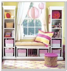 Under Window Bench Seat Storage Diy by Bench Under Window Ideas About Bay Window Benches On Pinterest